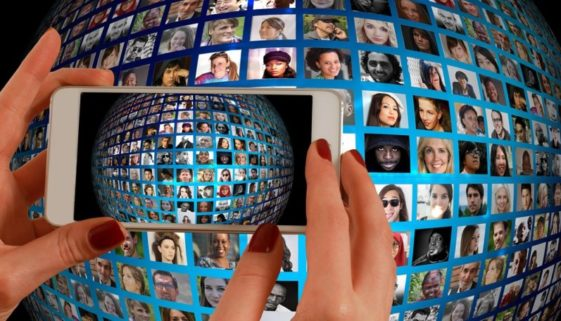 Vita in comune, social, famiglia: Quali scenari in futuro?