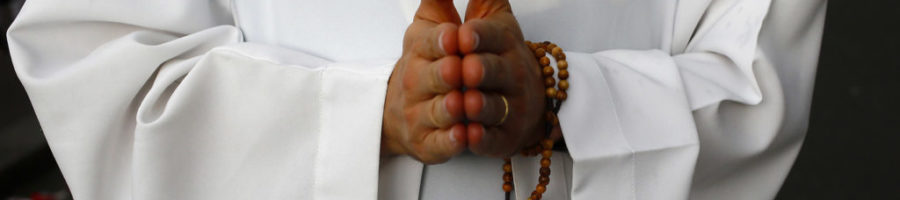 Il prete e le donne sole