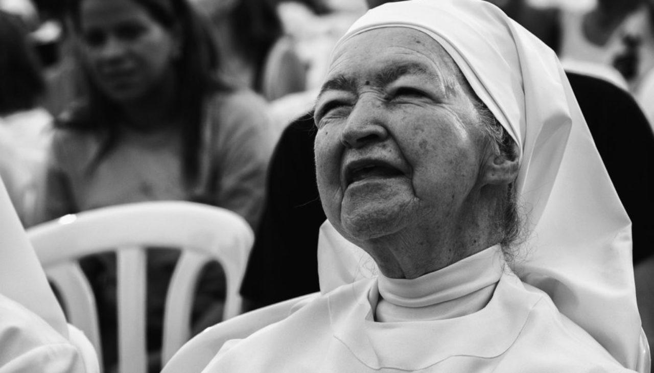 Suore trattate da sguattere in casa di cardinali e vescovi: l'Osservatore Romano solleva il caso